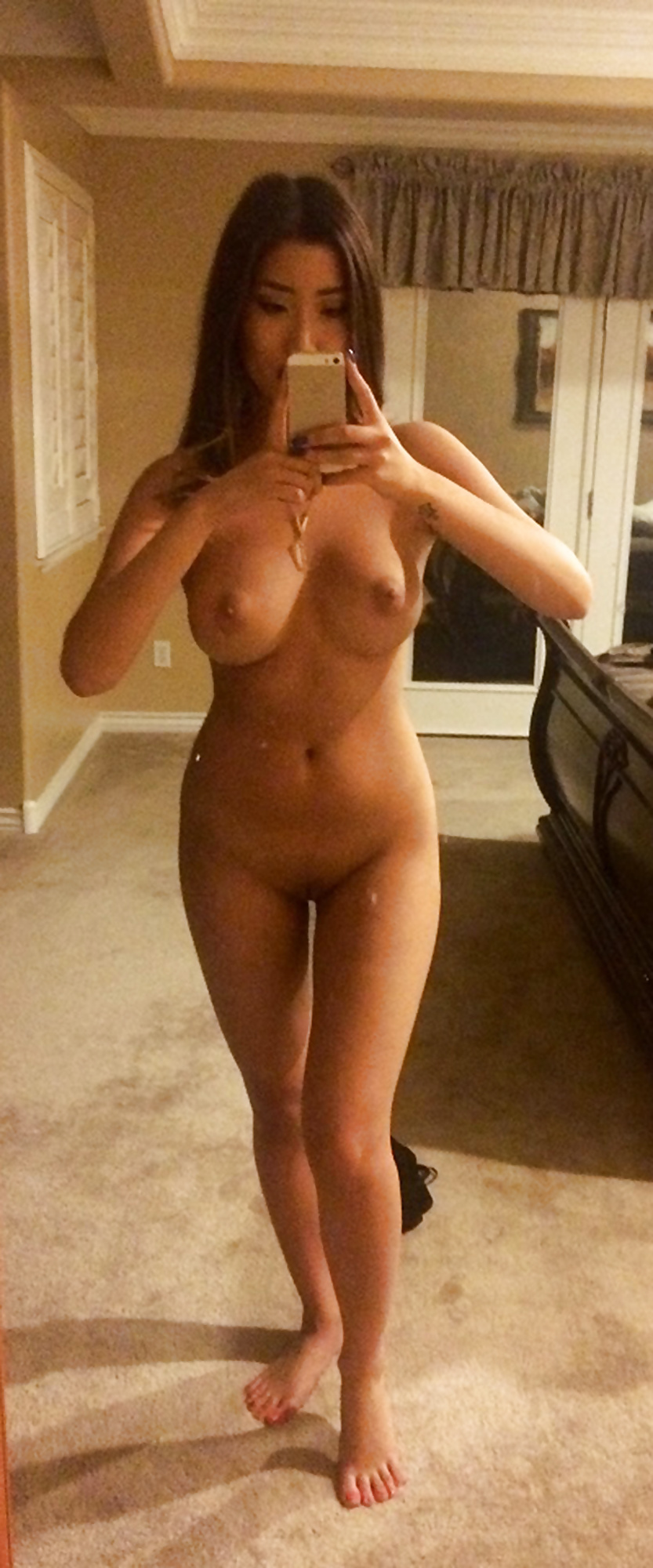 pictures of fit naked ladies