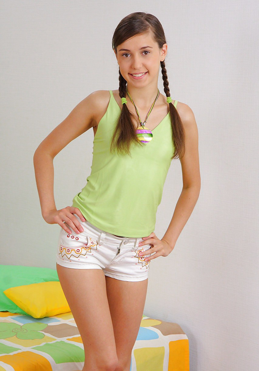 Teen Tits Pictures: Young Teen